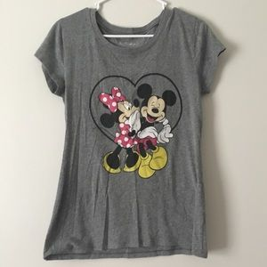 Disney Minnie and Mickey Mouse shirt small